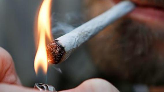 Le toxicomane a reconnu fumer de 5 à 6 joints par jour (illustration)