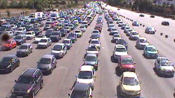 Le trafic est très dense à l'approche du péage de Buchelay (Yvelines). Capture d'écran@Viewsurf à 12 heures