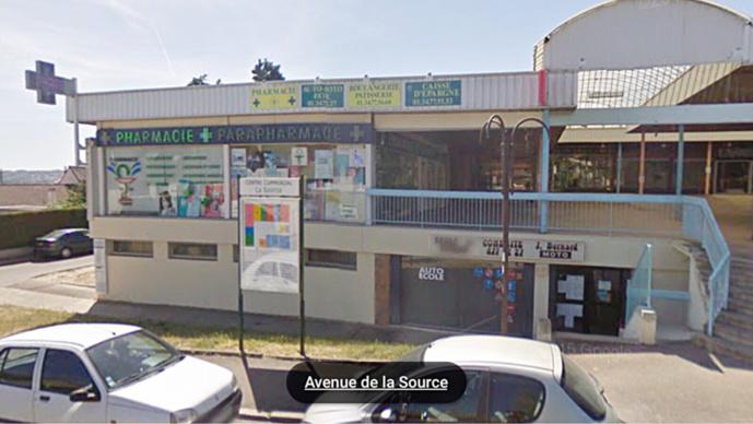 Le feu s'est déclaré dans les locaux de l'auto-école situés à l'entre-sol du centre commercial de la Source (illustration@Google Maps)