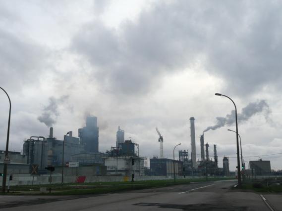 Les autorités préfectorales recommandent aux industriels de s'assurer du bon état et du bon fonctionnement des installations de combustion et des dispositifs antipollution  (Illustration@infonormandie)