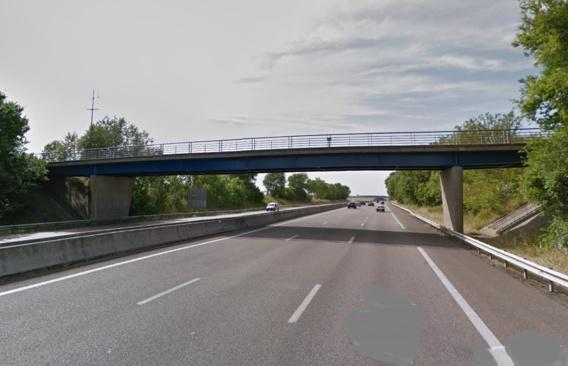 Deux ponts métalliques comme celui-ci vont être rénovés (Illustration)