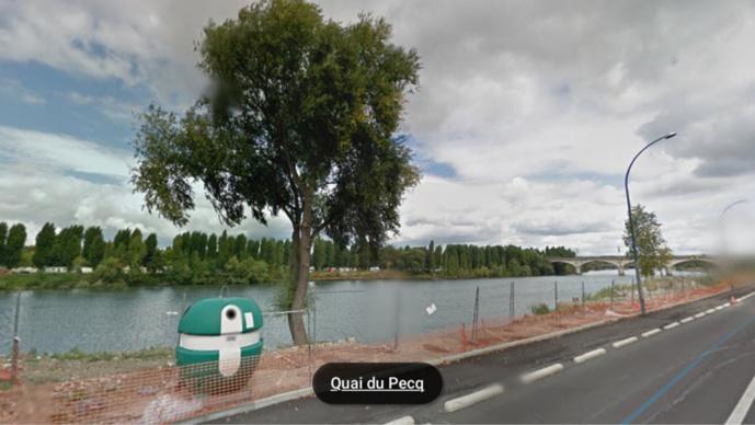Le corps était coincé en bordure de la berge du quai du Pecq (illustration@Google Maps)