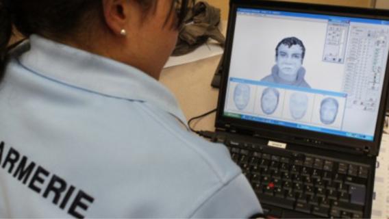 La description physique de l'auto-stoppeur fournie par la jeune victime et ses grands parents ont permis d'établir le portrait robot de l'agresseur et de l'identifier (illustration)