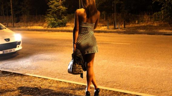 Rouen : deux hommes alcoolisés rouent de coups une prostituée qui refuse une relation sexuelle à trois