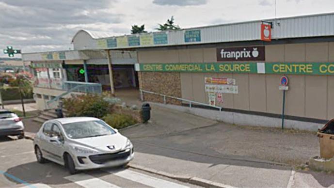 Qui en veut au centre commercial de la Source victime de quatre incendies criminels et d'une attaque à la voiture-bélier en 9 mois (Illustration)