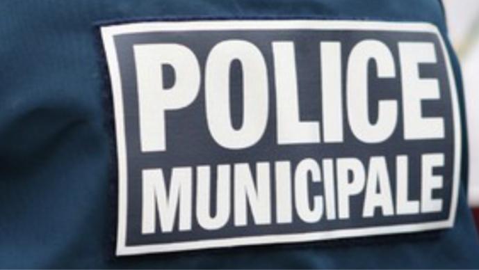 Yvelines : un policier municipal blessé en voulant intercepter l'auteur d'un rodéo à Épône