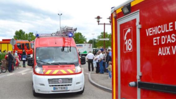 Trois véhicules de secours ont été envoyés sur les lieux de l'accident, ainsi que l'hélicoptère de la sécurité civile (Illustration)