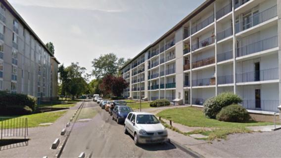 Le couple était sur son balcon rue Racine quand il a été visé (?) par un mystérieux tireur (illustration)