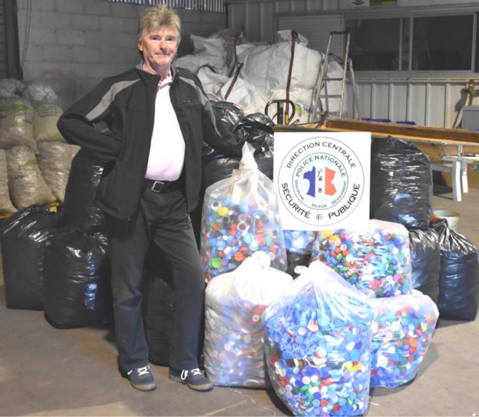 340 kg de bouchons ont été collectés par les policiers et remis à l'association Bouchons 276 (Photo@DDSP)