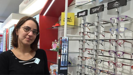Angélique possède une solide expérience d'opticien-lunetier (Photo@infonormandie)
