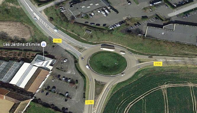 C'est à ce rond-point que les agriculteurs ont tagué une inscription hostile à Séglène Royal (Illustration@Google Maps)