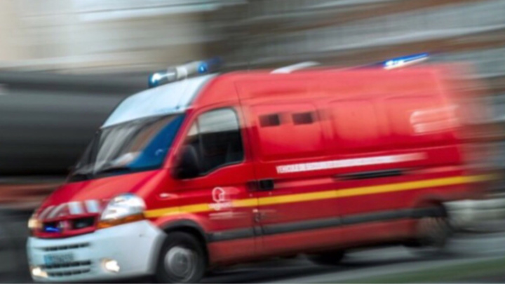 La victime se plaignant de douleurs aux poignets a été transportée à l'hôpital de Poissy par les sapeurs-pompiers (illustration)