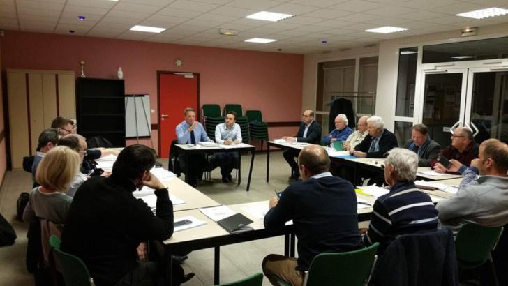 Réunion de travail autour de Frédéric Duché, président de la commission départementale pour l'organisation de la primaire (Photo@DR)