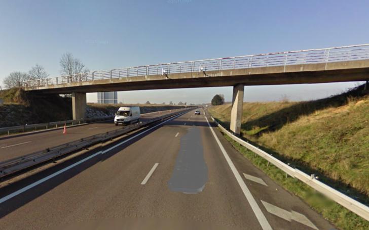 La remise en état de ce pont sur l'A 13 représente un investissement de 400 000€ financé par la SAPN (Illustration@Google Maps)