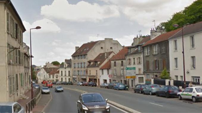 Le cadavre de la quinquagénaire a été découvert dans un appartement de la route de Versailles, à Le Port-Marly (Illustratio@Google Maps)