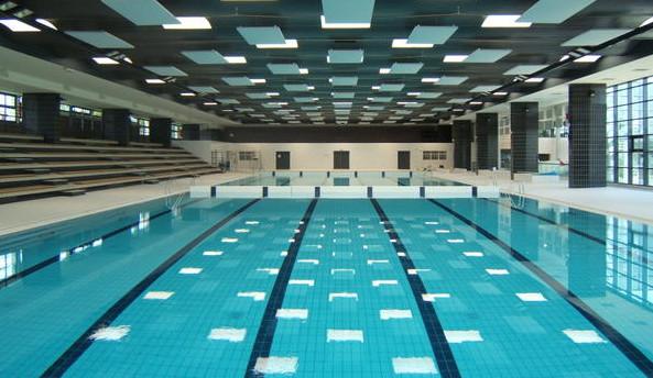 Versailles fum e suspecte et d flagrations la piscine for Piscine montbauron