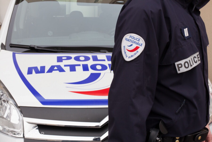 Les policiers ont dû faire usage de gaz lacrymogène pour calmer l'ardeur des deux agresseurs (Illustration)