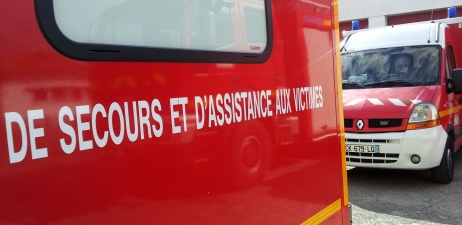 Une vingtaine de pompiers et cinq engins de secours routier sont intervenus pendant près de deux heures (Illustration)