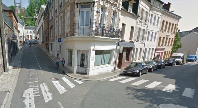 Les deux enfants traversaient la chaussée à l'angle des rues Thiers et Victor Hugo pour es rendre à l'école (Illustration©Google Maps)