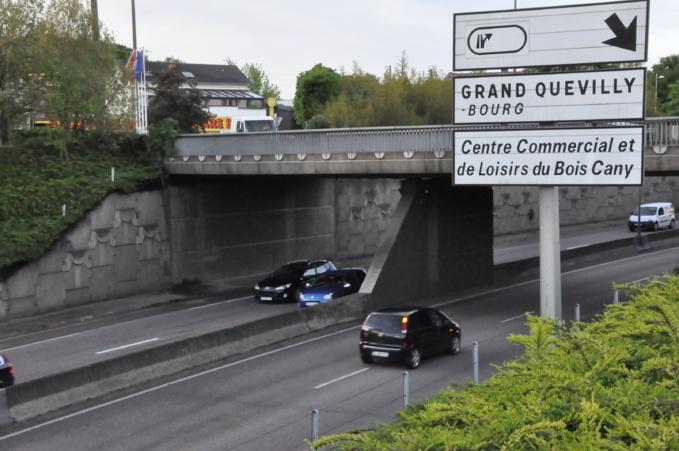 Le véhicule en feu est signalé à hauteur de Grand-Quevilly (Photo d'illustration)