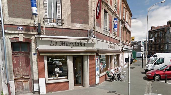 Une vingtaine de clients étaient dans l'établissement lorsque le malfaiteur a fait irruption (Illustration ©Google Maps)
