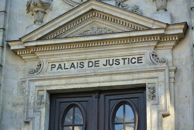 L'intrus alcoolisé a été remis en liberté avec une convocation devant le tribunal correctionnel d'Evreux pour violences volontaires sur personnes dépositaires de l'autorité publique (Photo ©infoNormandie)