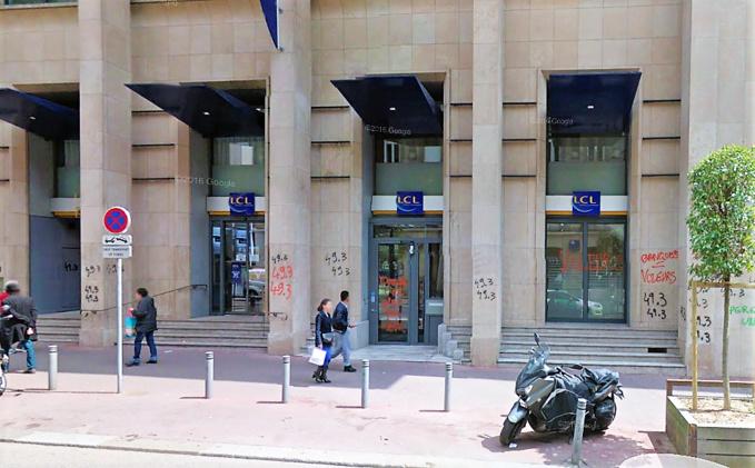 La banque LCL, rue Jeanne d'Arc, a déjà été victime plusieurs fois de fausses alertes à la bombe (Illustration ©GoogleMaps)