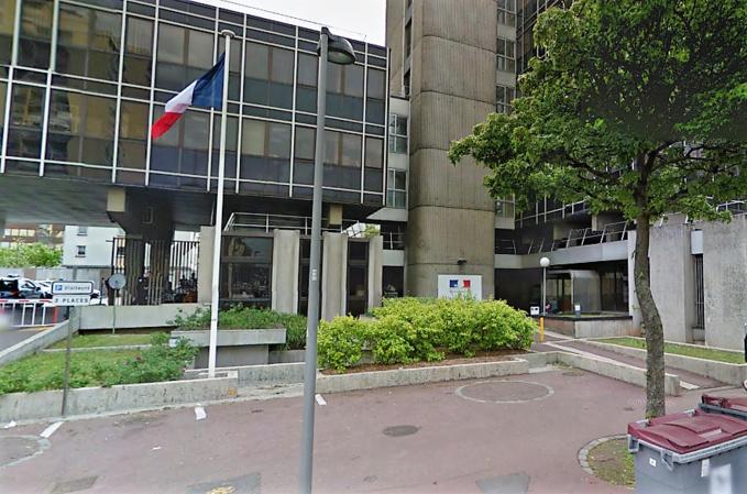 L'hôtel de police de Rouen, rue Brisout de Barneville (Illustration)