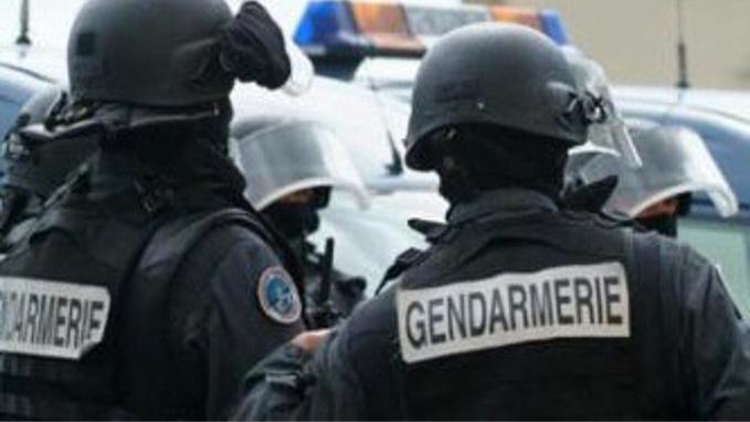 Les deux derniers agresseurs viennent d'être arrêtés par les gendarmes (illustration)