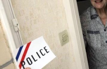 Yvelines : deux personnes âgées victimes de vol par fausse qualité à Versailles et Andrésy