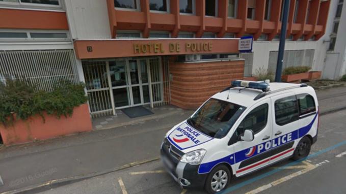 Evreux : il vient au commissariat pour insulter les policiers, il est arrêté et conduit à l'hôpital