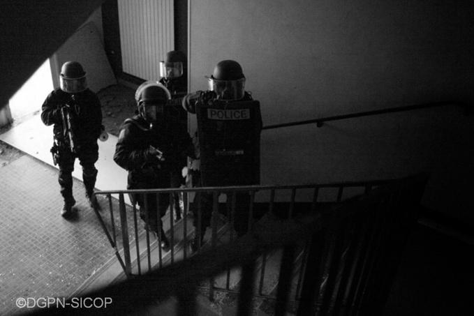 De gros moyens ont été déployés pour procéder mardi matin à l'interpellation des suspects (illustration)