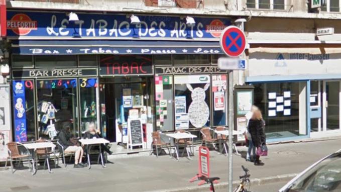 Rouen : deux malfaiteurs attaquent à Petit-Quevilly la gérante du Bar des Arts et dérobent la recette
