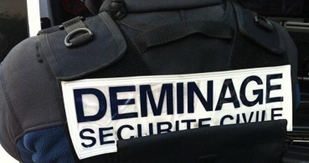Yvelines : les démineurs font exploser un colis suspect destiné à la police judiciaire de Versailles