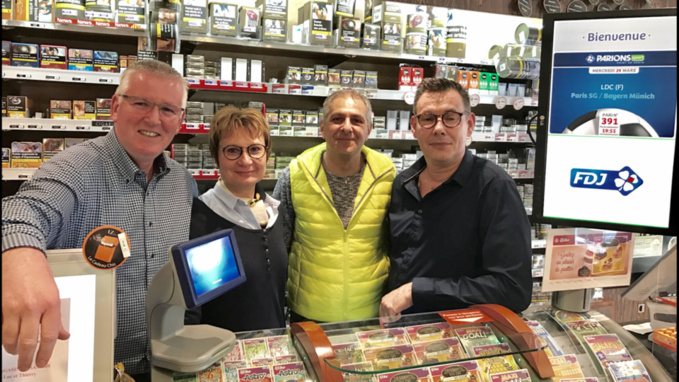 Jacky et Carole avec leurs successeurs et nouveaux propriétaires Jean-Luc et Thierry (de gauche à droite) Photo © infonormandie