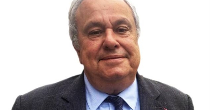 Election présidentielle : Jean Louis Destans, député socialiste de l'Eure, choisit Emmanuel Macron