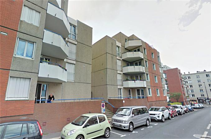 Un feu de voiture s'est déclaré dans le parking souterrain de ces immeubles, rue Pierre Faure, nécessitant l'évacuation de 51 locataires (Illustration © Google Maps)