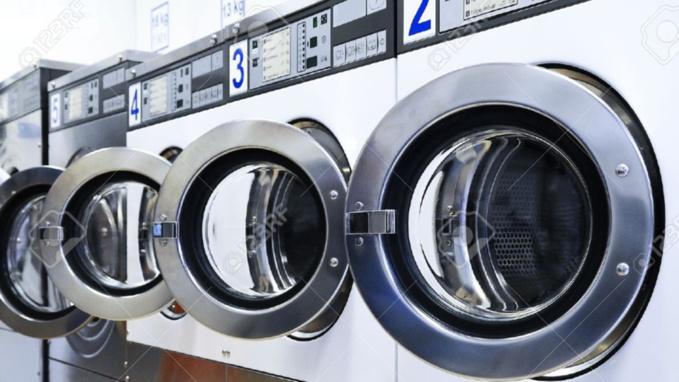 L'enfant est resté enfermé dans la machine à laver pendant de très longues minutes (illustration)