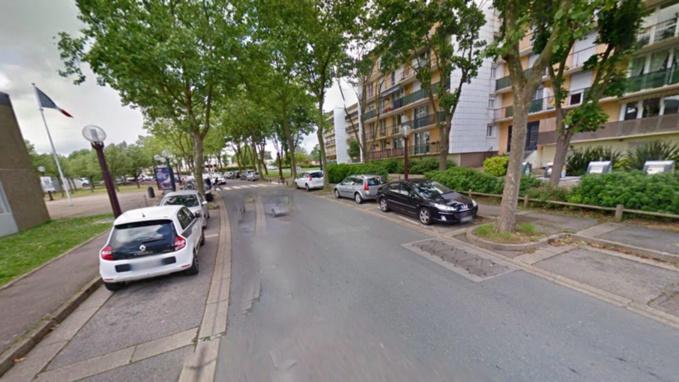 La septuagénaire a ete renversée à hauteur du N° 6 de l'avenue Jacques Eberhard. Elle traversait en dehors du passage protégé, selon les constgatations policières (Illustration © Google Maps)