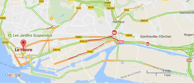 Camion couché près du stade Océane au Havre : la mairie recommande de passer par la ville haute