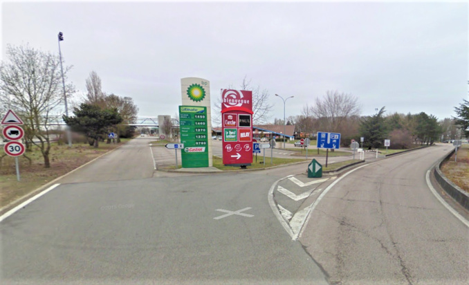 Le tendem de voleurs écumait les aires de repos de l'autoroute de Normandie (Illustration ©Google Maps)