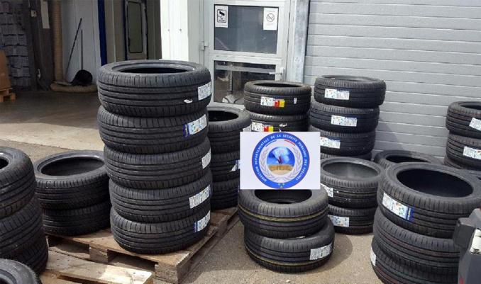 70 pneus ont été retrouvés lors des perquisitions (Photo @ DDSP78)