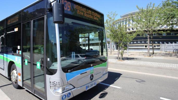 Le conducteur du poids-lourd a déclaré n'avoir pas vu le bus a l'arrêt (illustration @Sqybus)