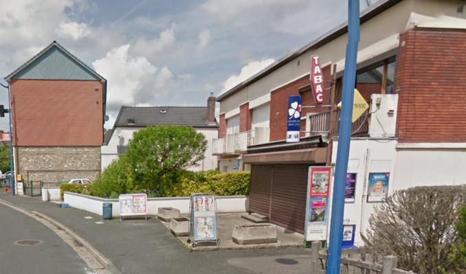 L'attention des voisins a été attirée par le déclenchement de l'alarme, en l'absence des commerçants (Illustration ©Google Maps)