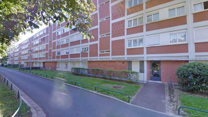 C'est dans un appartement de cette barre d'immeuble, allée de la Corniche, que le corps du quinquagénaire a été découvert (illustration @ Google Maps)