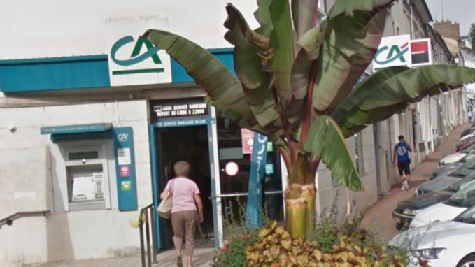 Pacy-sur-Eure : un distributeur de billets du Crédit Agricole piégé par un collet marseillais