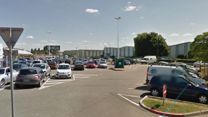 Les violences se sont déroulées sur le parking d'un centre commercial (Illustration)