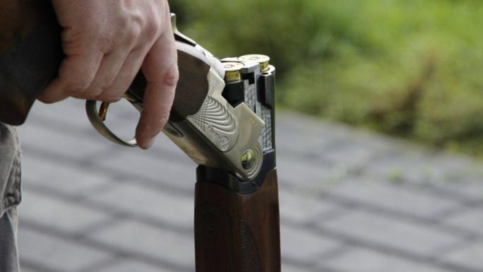 Un fusil de chasse chargé dans le coffre (Illustration @ Pixabay)
