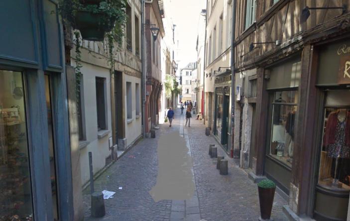 La rue Saint-Nicolas où la jeune fille et le jeune homme ont été agressés (Illustration © Google Maps)
