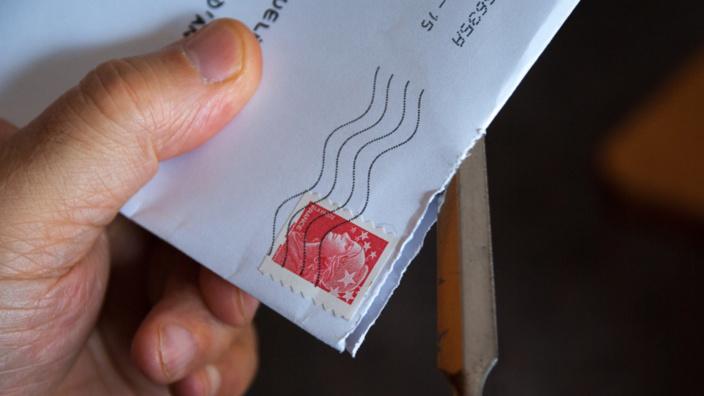 Yvelines : les deux associés fabriquaient de faux timbres, la Poste escroquée de 285 000€